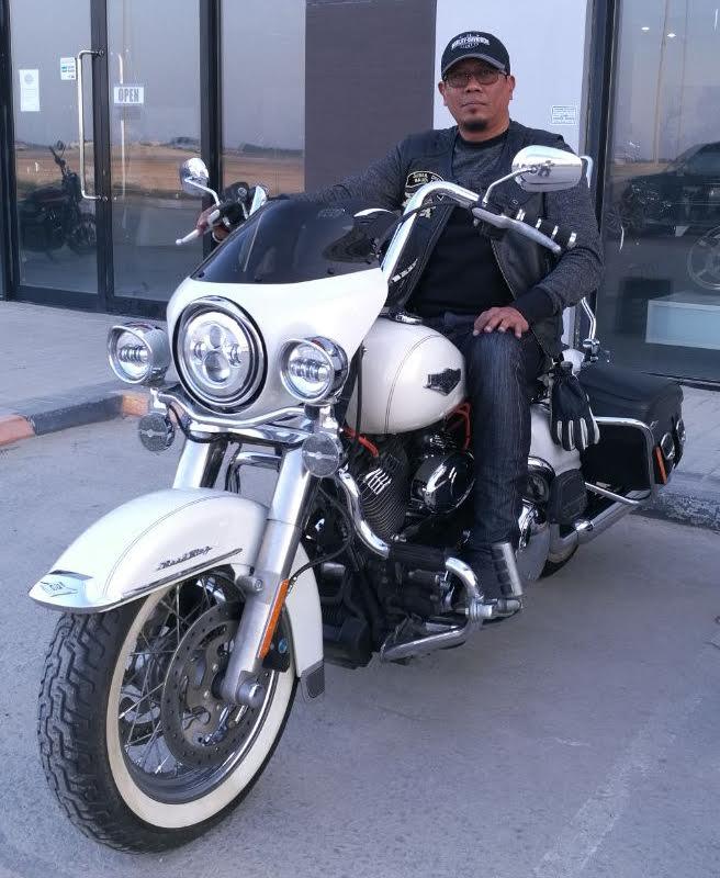 Glide-Pro Cafe Fairing for Harley Davidson